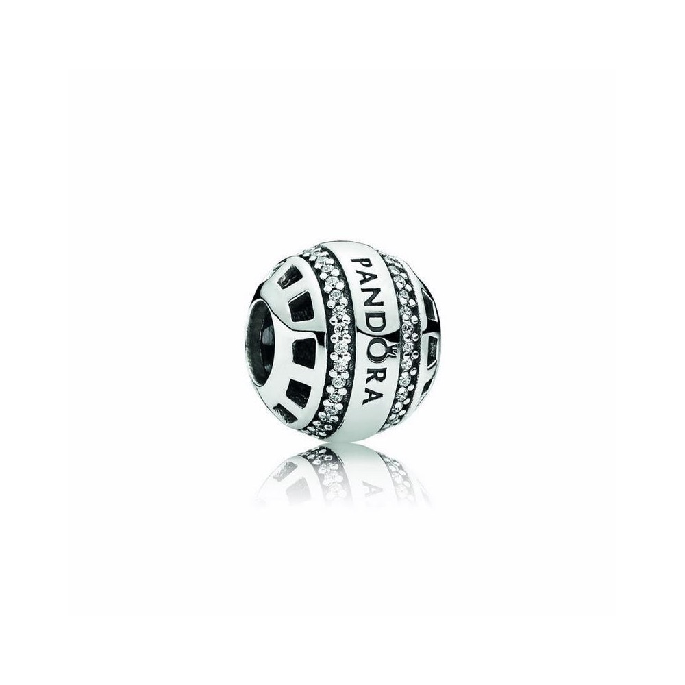 Charm Pandora de plata. Logo Pandora.