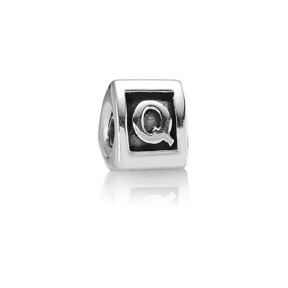 Inicial de plata Pandora. Letra Q